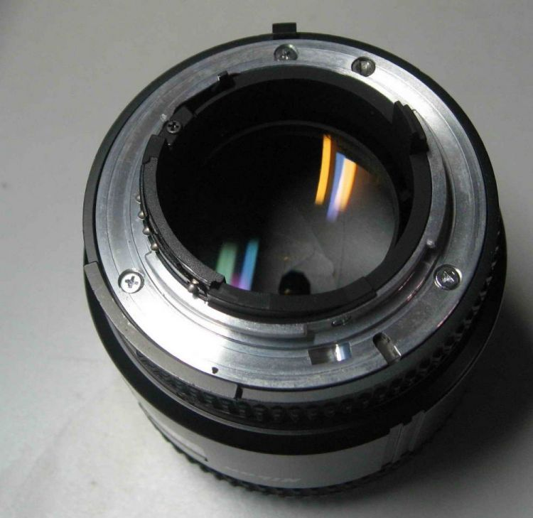 Lens contact cracked
