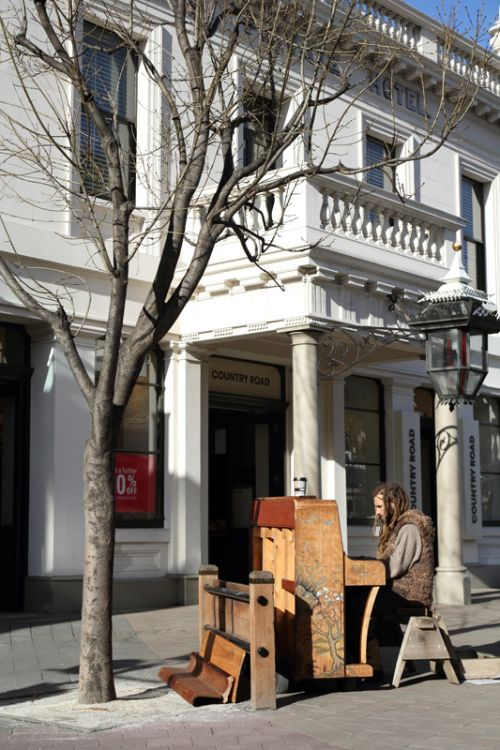 Busker on the piano