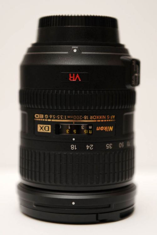 Nikon AF-S DX VR 18mm-200mm f/3.5-5.6G IF-ED