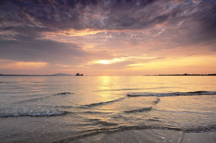 Sunrise at Changi Beach with GND