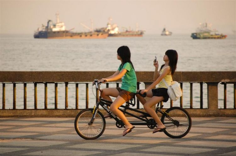 Girls on a bike color