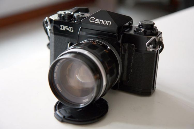 Canon F1 with FL55 f1.2