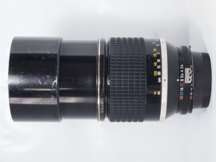 NIKON 180MM F/2.8 ED LENS (Body View)