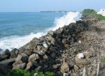 16021Galle_Fortress_Breakwater.jpg
