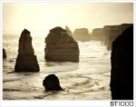 The_Twelve_Apostles_on_Great_Ocean_Road_Road_Victoria_Australia.jpg