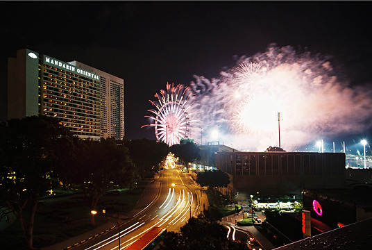 singapore flyer fireworks from esplanade roof top