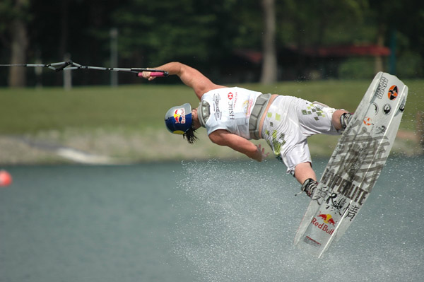 LOVE - HSBC Wakeboard World Cup Singapore 2005
