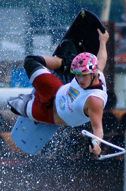 WAKEBOARD WORLDCUP SINGAPORE 208