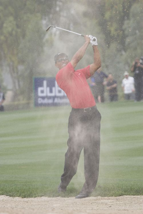 Tiger Woods in Dubai Desert Classic golf 2007